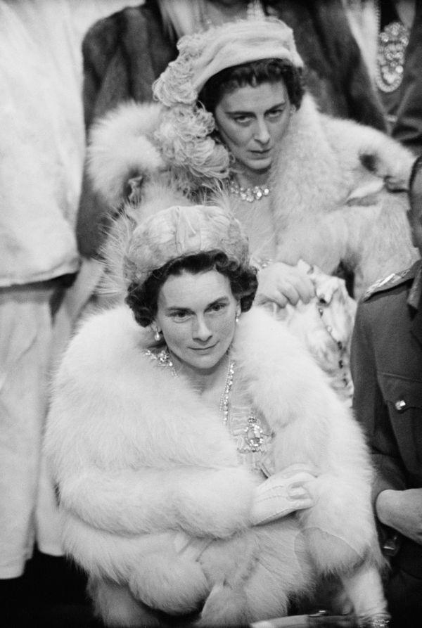 Two members of the British royal family -- Princess Marina, Duchess of Kent (back), andPrincess Alice, Duchess of Glouc