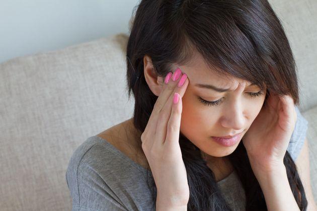 자기도 모르게 두통을 부르는 나쁜 습관 6