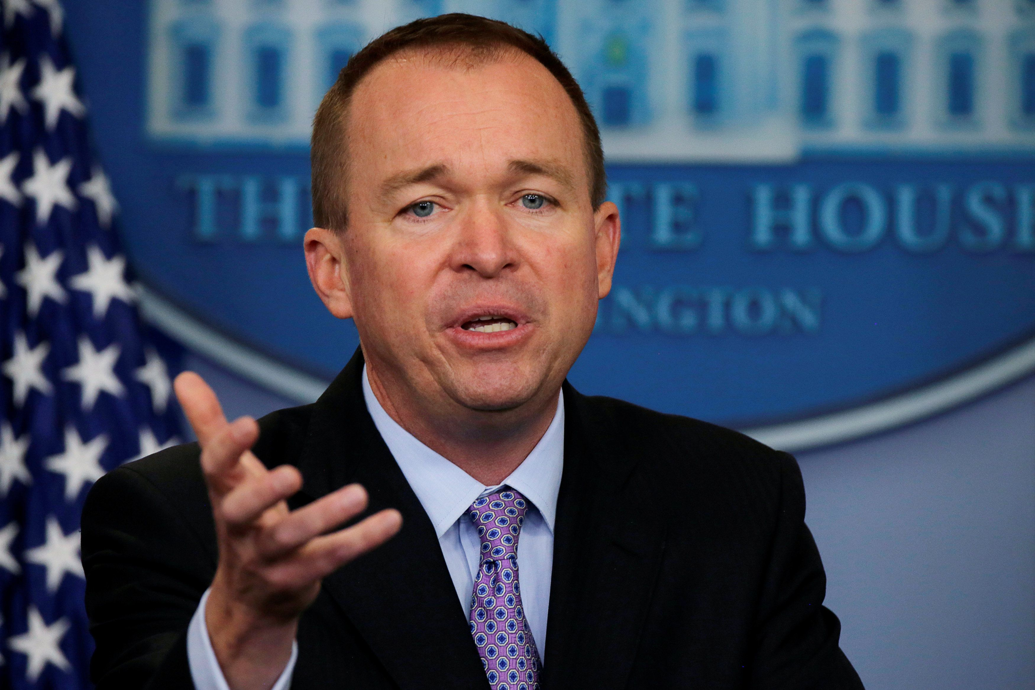 Office of Management and Budget Director Mick Mulvaney holds a briefing on President Trump's FY2018 proposed budget in the press briefing room at the White House in Washington, U.S., May 23, 2017. REUTERS/Jim Bourg