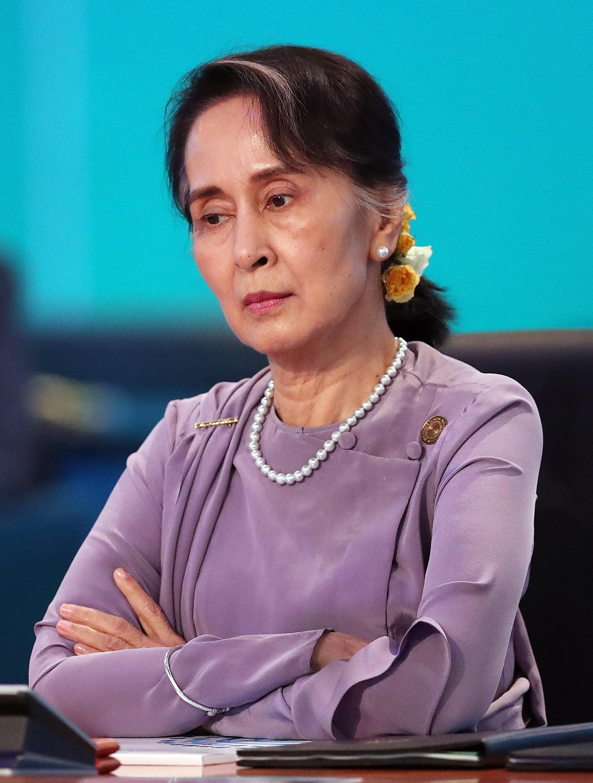 아웅산 수치의 침묵: 미얀마의 지도자는 왜 로힝야족 학살을 무시하고 있는가