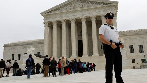 U.S. Supreme Court is seen in Washington, U.S., before the judges hear arguments in Abbott vs. Perez, weighing a bid by Texas to revive Republican-drawn electoral districts for state legislative and U.S. congressional seats that were thrown out by a lower court for diminishing black and Hispanic voters' clout, April 24, 2018. REUTERS/Yuri Gripas