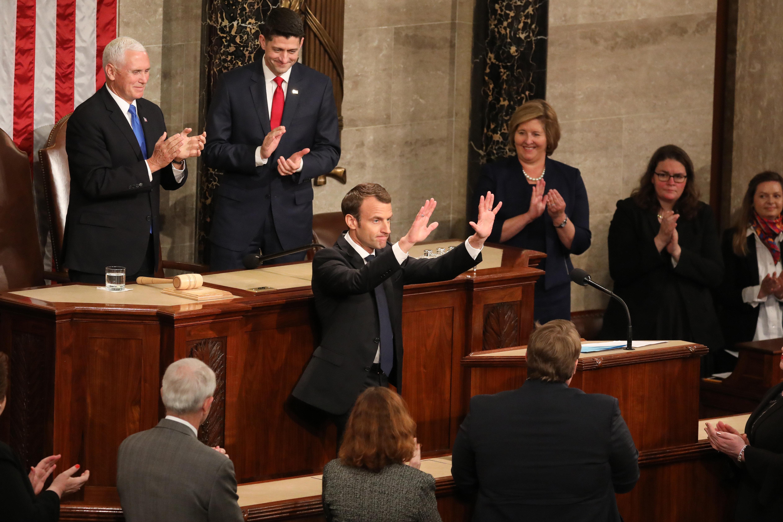 Μακρόν ενώπιον του Κογκρέσου: Το Παρίσι δεν θα αποχωρήσει από τη συμφωνία για τα πυρηνικά του
