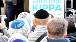 Germans Don Kippas In Solidarity With Jewish Groups Alarmed By