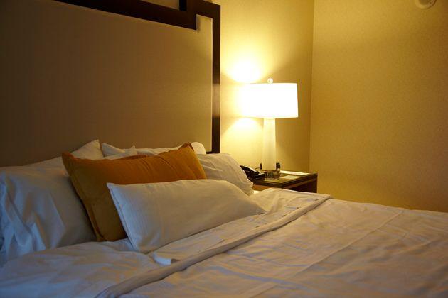 Hay algunos lugares de la habitación de hotel que deberías plantearte si tocar o