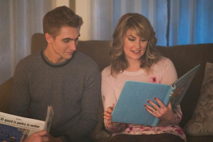 "Hart Denton and Mädchen Amick in ""Riverdale."""
