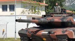 Έκαναν δίσκο την κάννη Leopard 2 για να σερβίρουν κρασί τον Στρατηγό του Δ Σώματος Στρατού στην Ξάνθη