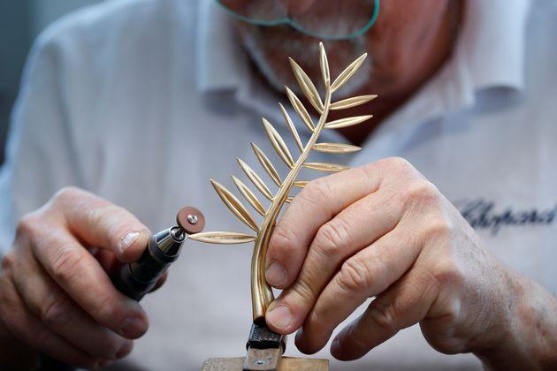 Κάννες: Πώς κατασκευάζεται ο Χρυσός Φοίνικας και από ποιους; Όλα όσα πρέπει να γνωρίζετε για το πιο σημαντικό
