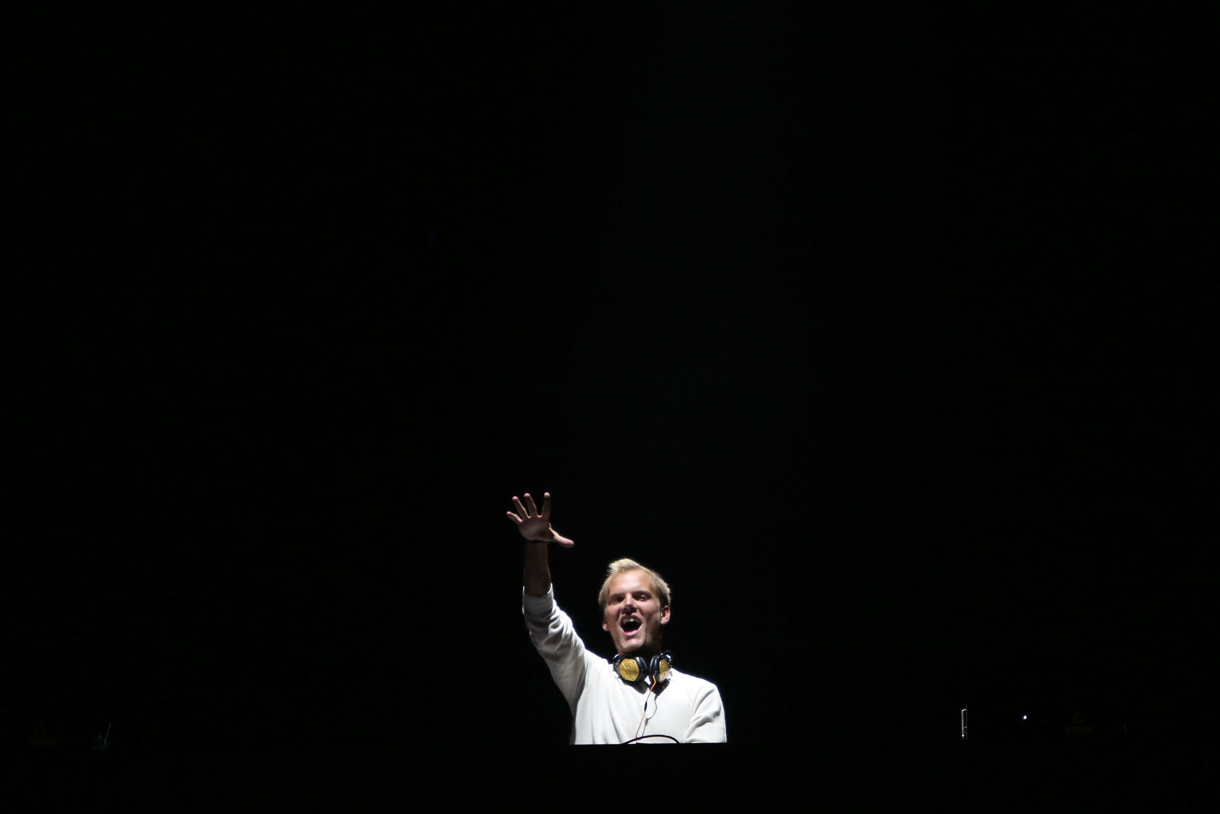 Δεύτερη ανακοίνωση της οικογένειας του DJ Avicii αφήνει ανοικτό το ενδεχόμενο