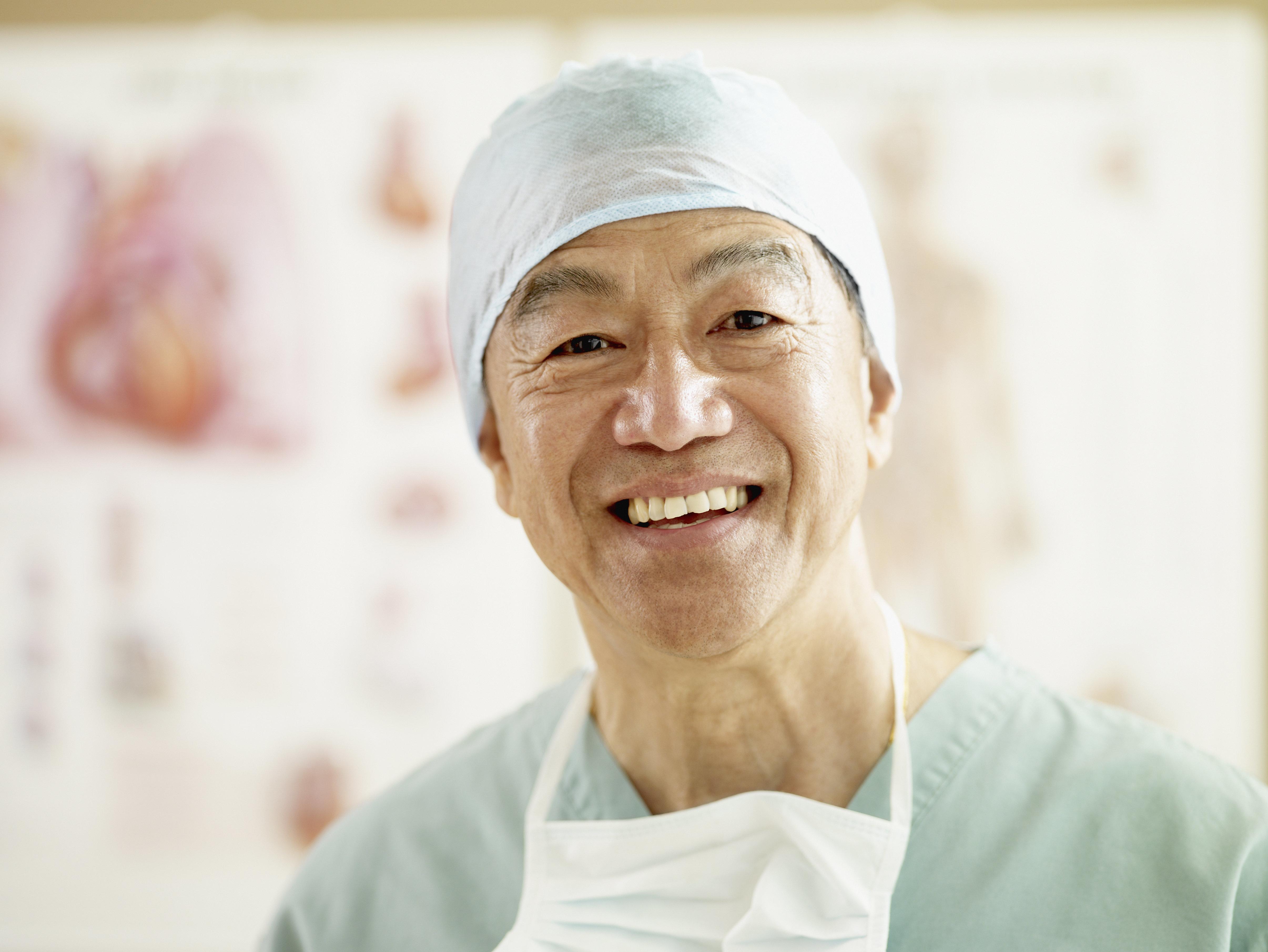 의사 나이와 수술 사망률에 상관관계가 있다는 연구가