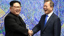 문재인 대통령과 김정은 위원장의 첫 만남에서 '예상에 없던' 두 가지