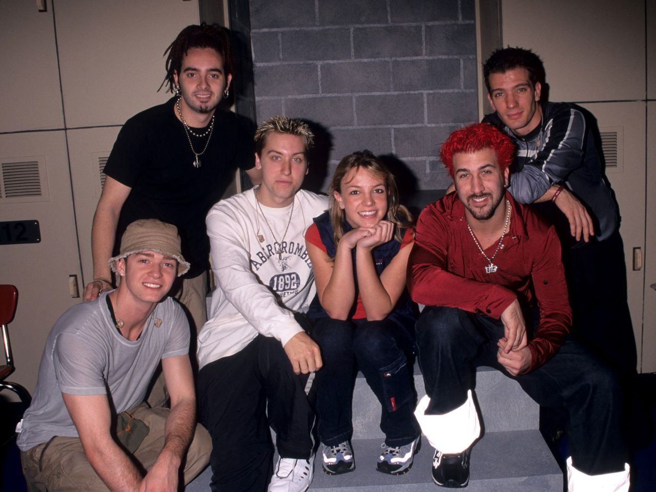 Britney poses with the guys of *NSYNC at the 1999 MTV Video Music Awards rehearsals.