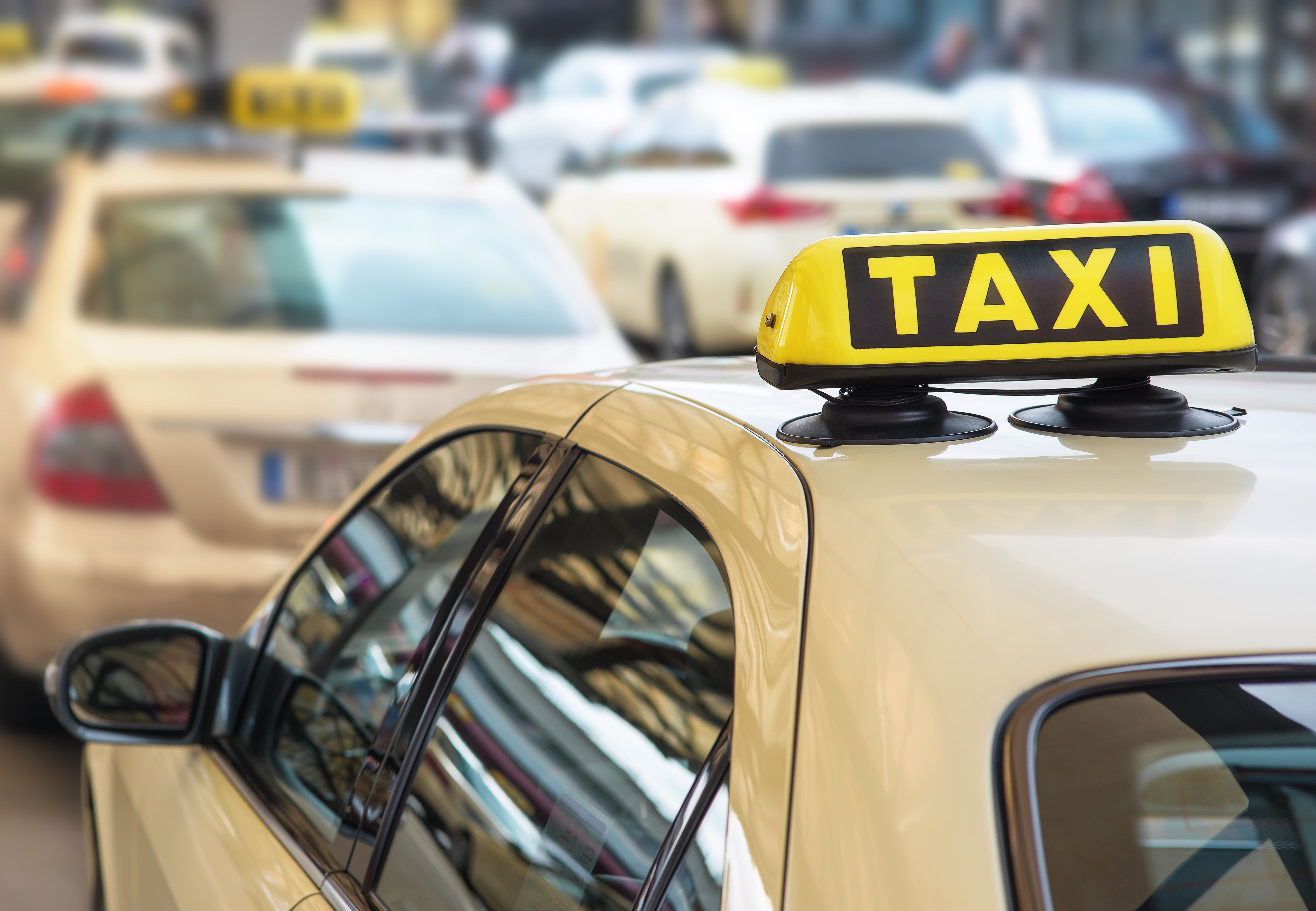 """Taxifahrerin: """"Darum solltet ihr niemals einen Pauschalpreis bei einer Taxifahrt"""
