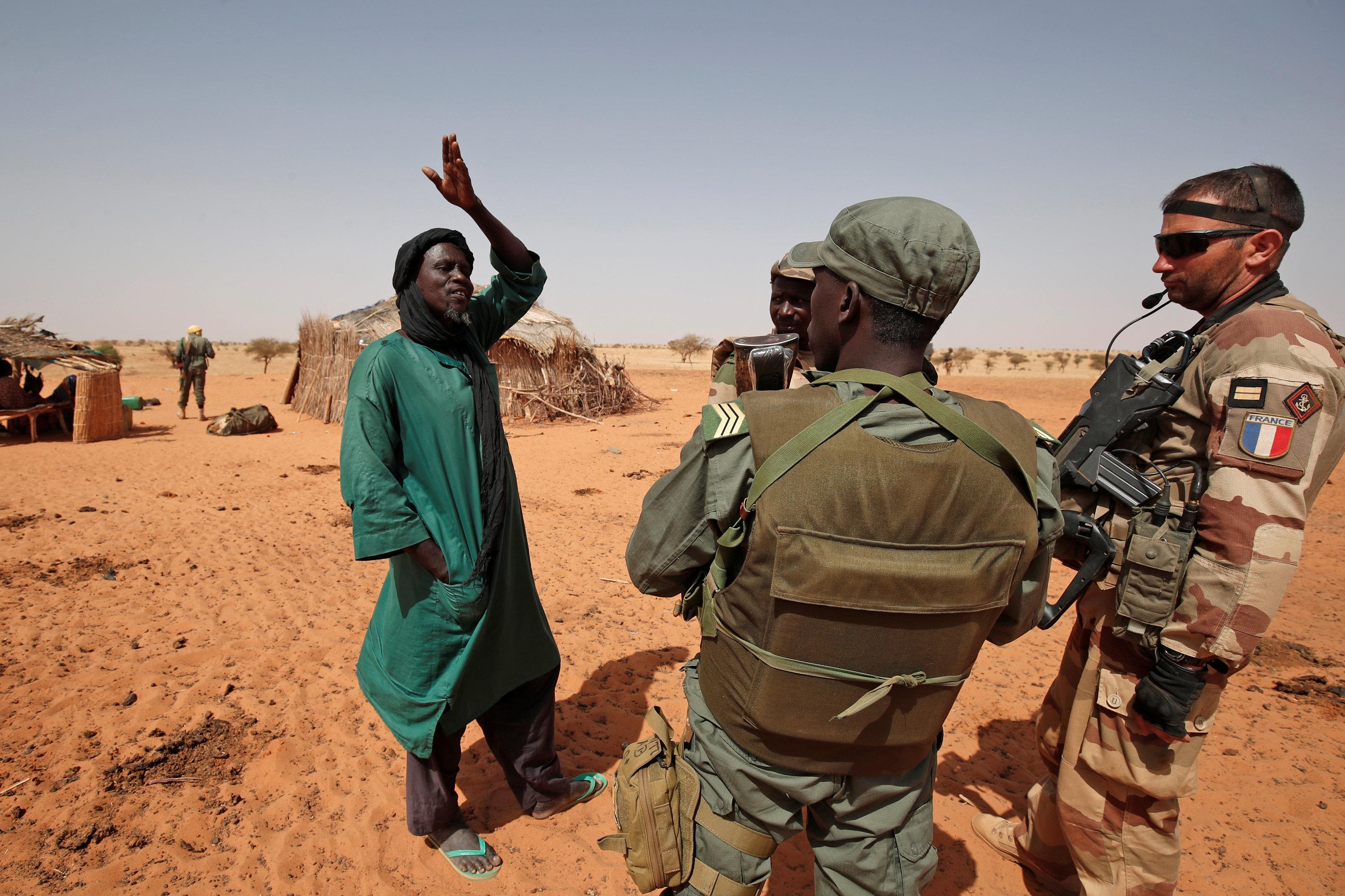 Mali: plus de 30 civils touareg tués par des
