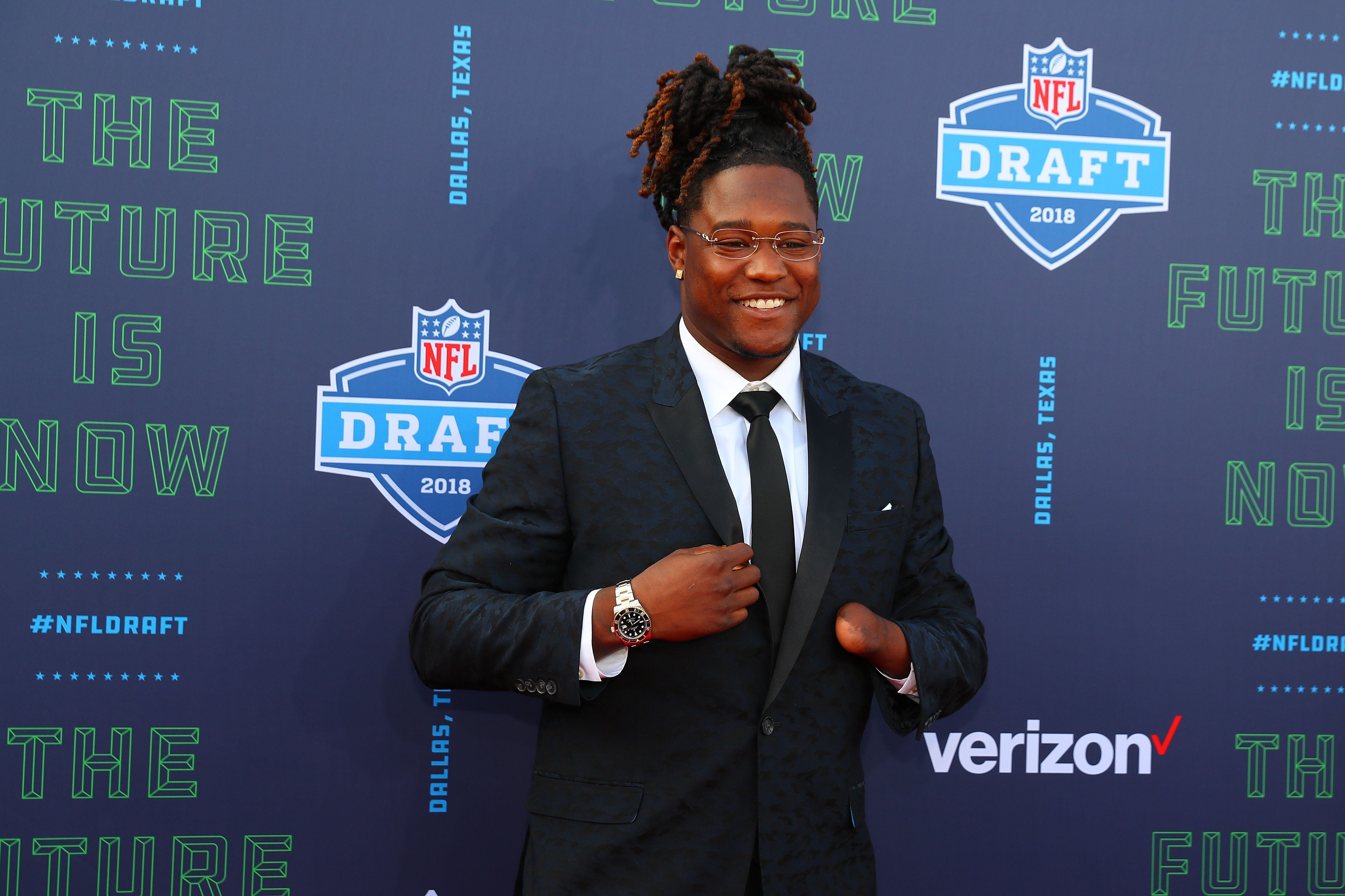 ARLINGTON, TX - APRIL 26:  Shaquem Griffin  on the Red Carpet prior to the 2018 NFL Draft at AT&T Statium on April 26, 2018 at AT&T Stadium in Arlington Texas.  (Photo by Rich Graessle/Icon Sportswire via Getty Images)