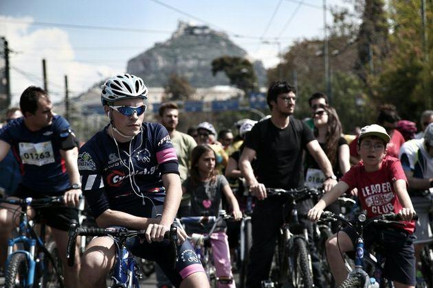 Κυκλοφοριακές ρυθμίσεις σήμερα στο κέντρο της Αθήνας,για τον «25ο Ποδηλατικό Γύρο». Ποιοι δρόμοι είναι...