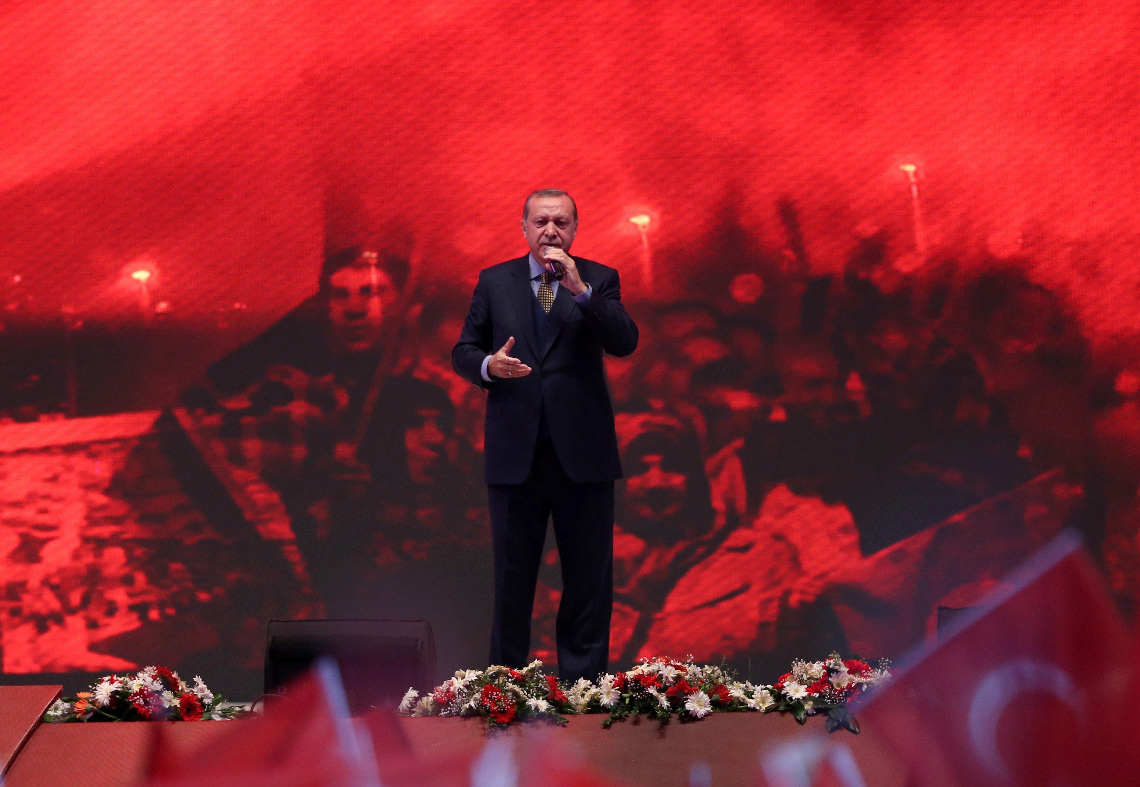 «Οι Έλληνες στρατιώτες έκαψαν την Σμύρνη...εμάς απλά μας βγήκε το όνομα», λέει ο Ερντογάν σε ένα νέο παραλήρημα