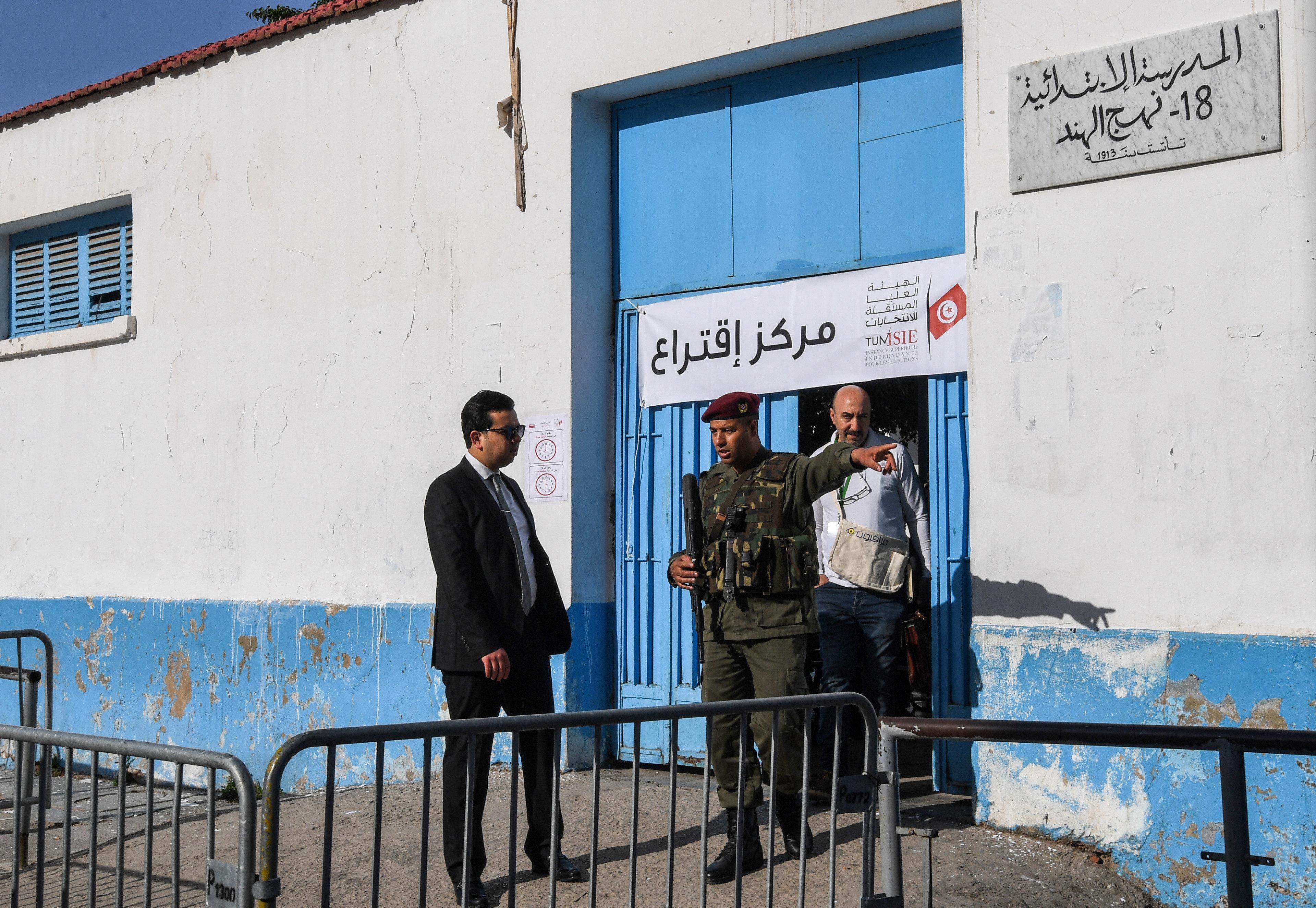 Élections municipales: Des civils se dirigent par erreur vers les bureaux de