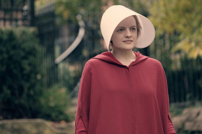"""""""The Handmaid's Tale"""", saison 2: grâce à la série, les manifestations et même les défilés de mode ont changé"""