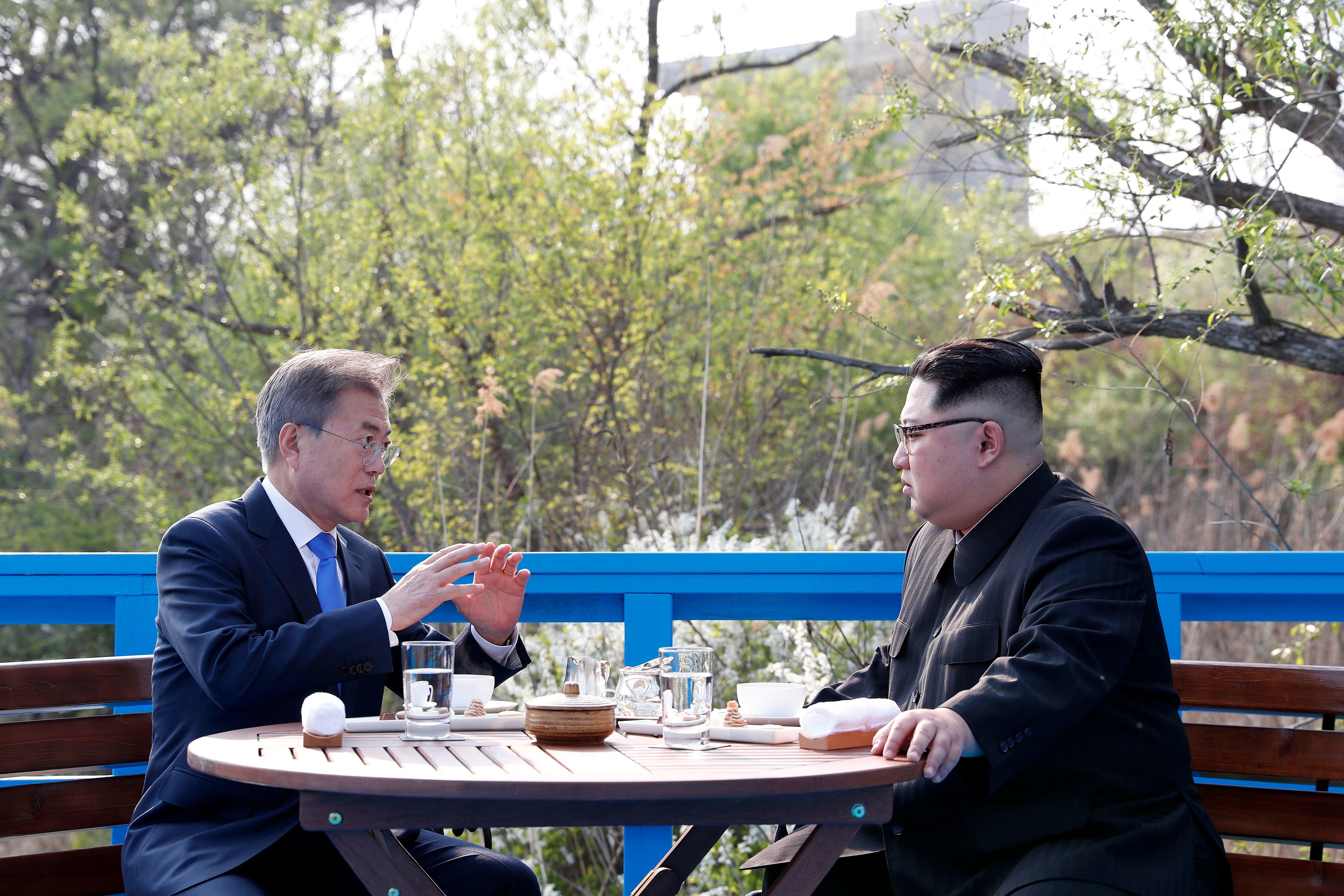 남북 정상은 도보다리 회담 이후 한차례 더 독대했다
