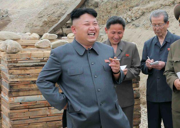 '애연가' 김정은은 판문점에서 딱 한 번 담배를