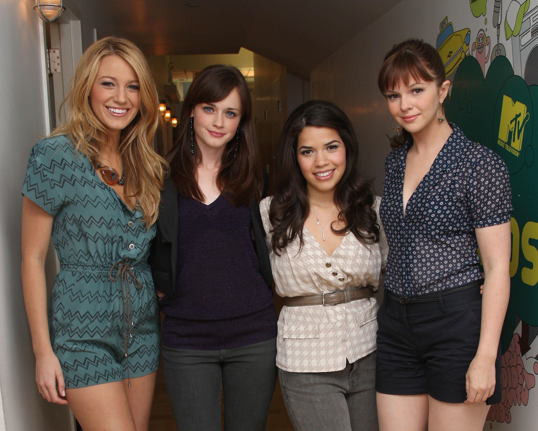Έρχεται το «Sisterhood of the Traveling Pants 3»; Η Blake Lively και η Alexis Bledel επιβεβαιώνουν ότι το σενάριο είναι