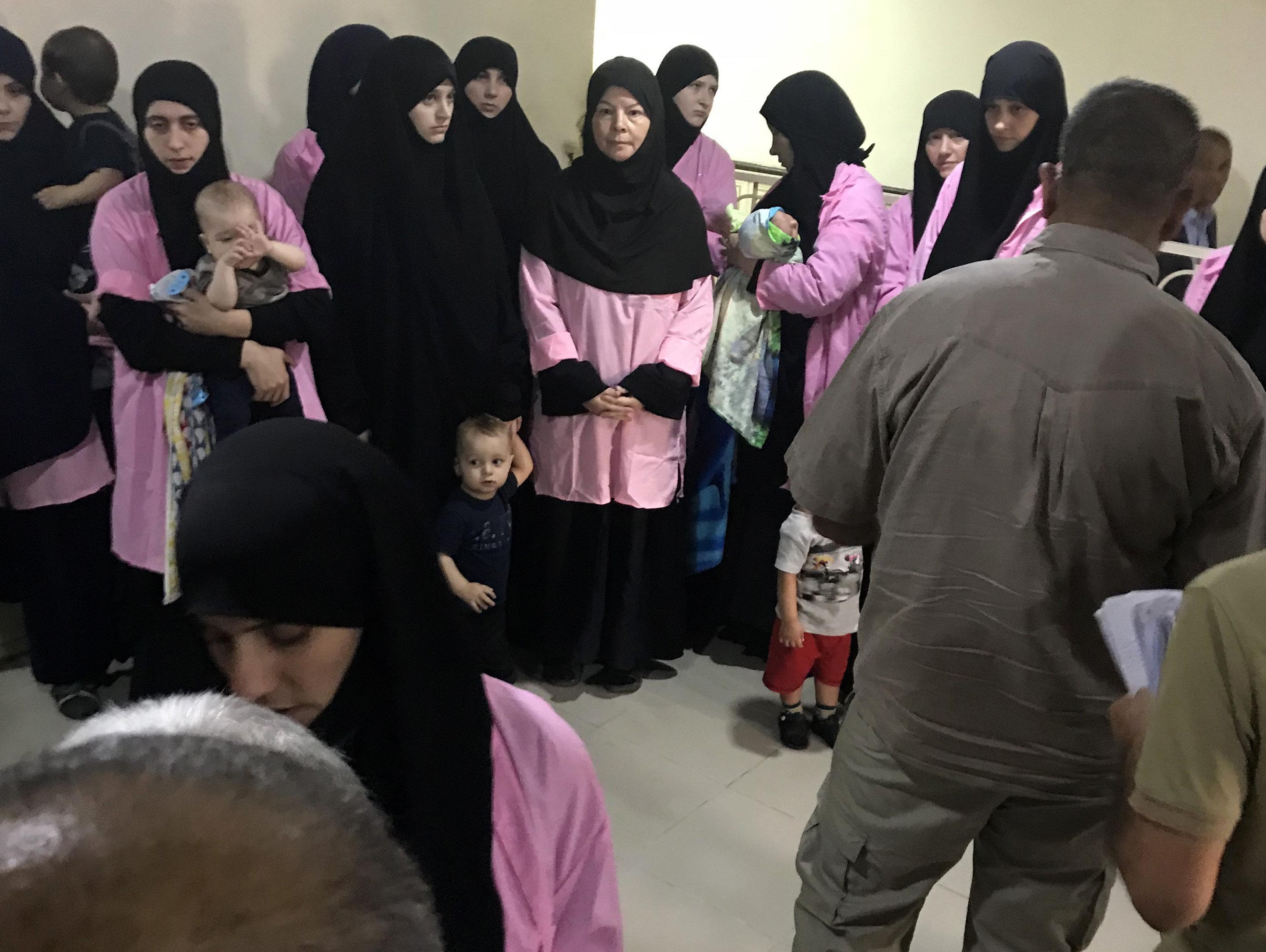 Ιράκ: Σε ισόβια καταδικάστηκαν 19 Ρωσίδες μητέρες με την κατηγορία της συνδρομής στο Ισλαμικό