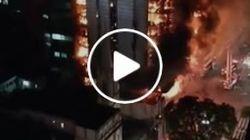Κατάρρευση φλεγόμενου κτιρίου στο Σάο