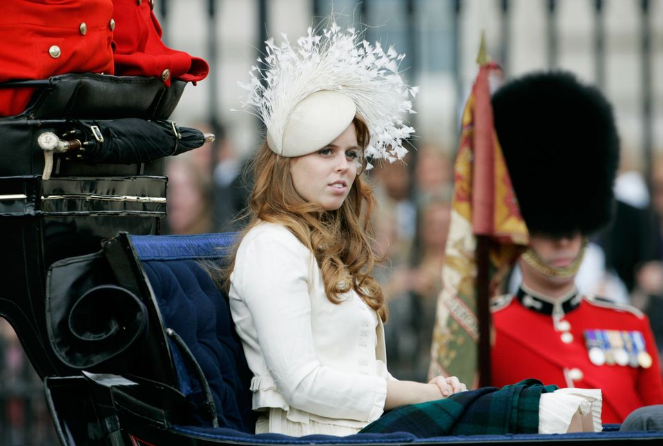 cf15f4218826e Here s Why British Women Wear Such Ridiculous Hats At Weddings ...