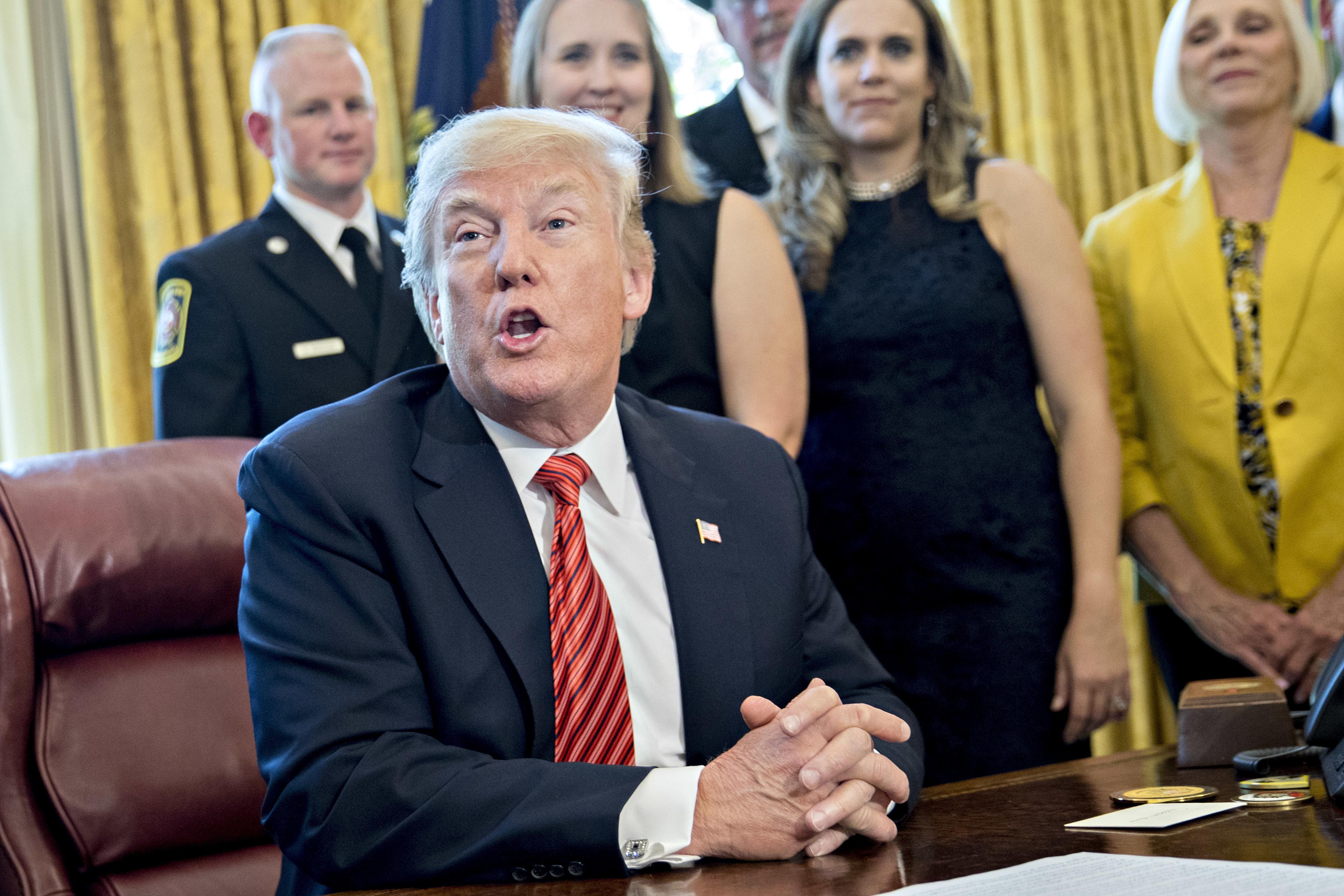 """트럼프가 """"문 대통령은 훌륭한 사람""""이라고 말했다"""