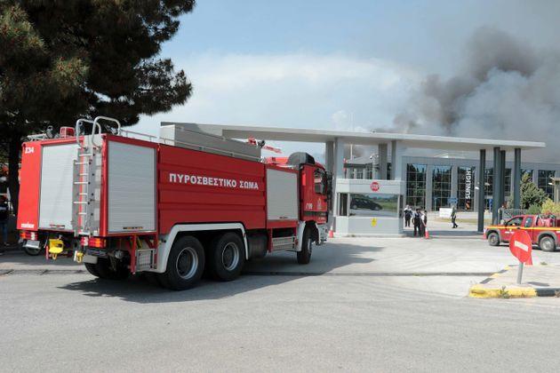 Βελτιωμένη η εικόνα της φωτιάς στο εργοστάσιο μπαταριών της Sunlight στην