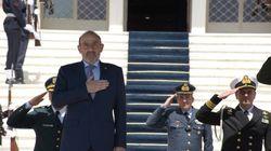 Την απελευθέρωση των δυο ελλήνων στρατιωτικών ζητά ο Υπουργός Άμυνας του