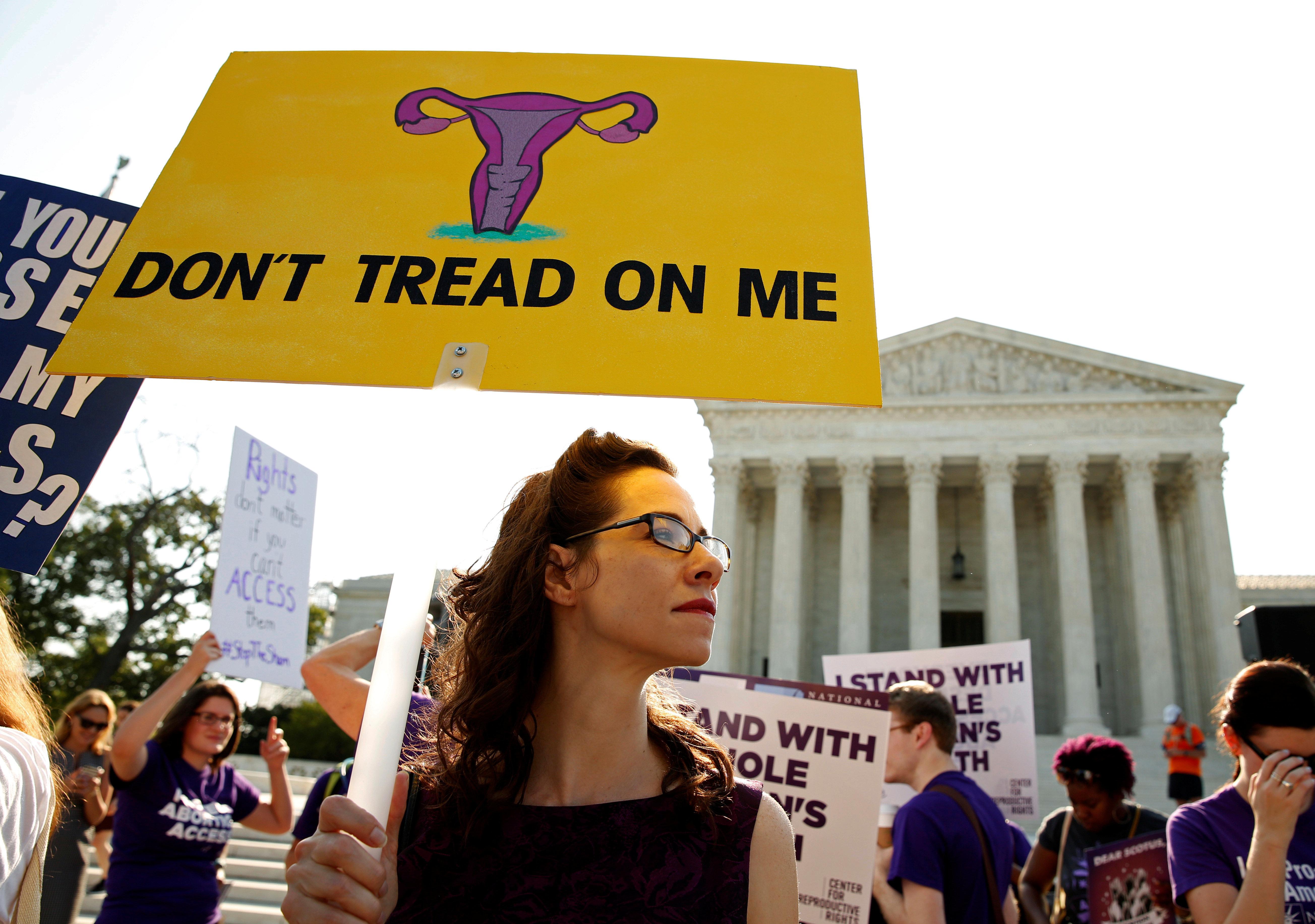 Τον νόμο του «καρδιακού παλμού» υιοθετεί η Άιοβα των ΗΠΑ και απαγορεύει τις αμβλώσεις μετά τις 6