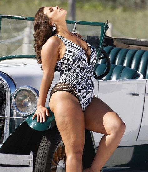 Ashley Graham Praised For Using Unedited Photos In New Swimwear