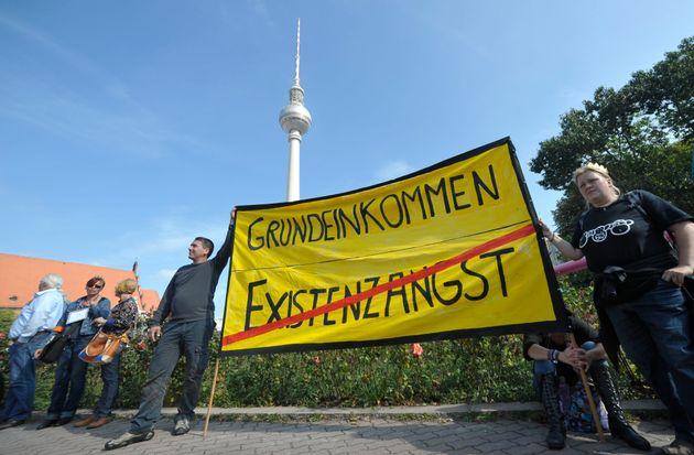 Deutschland diskutiert über das Grundeinkommen - die USA haben es schon vor langer Zeit getestet....