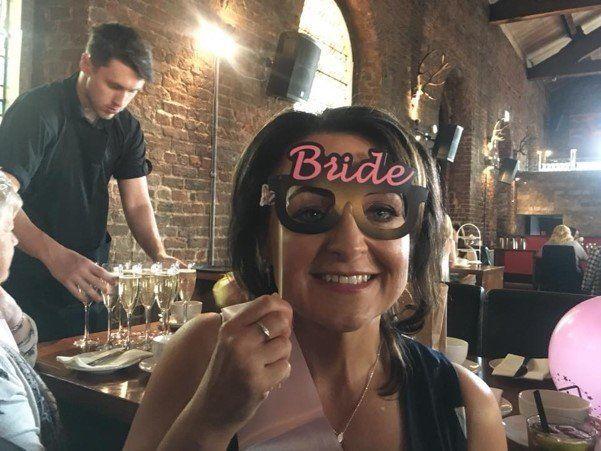 Julie Spencer wasn't afraid to get the novelty glasses