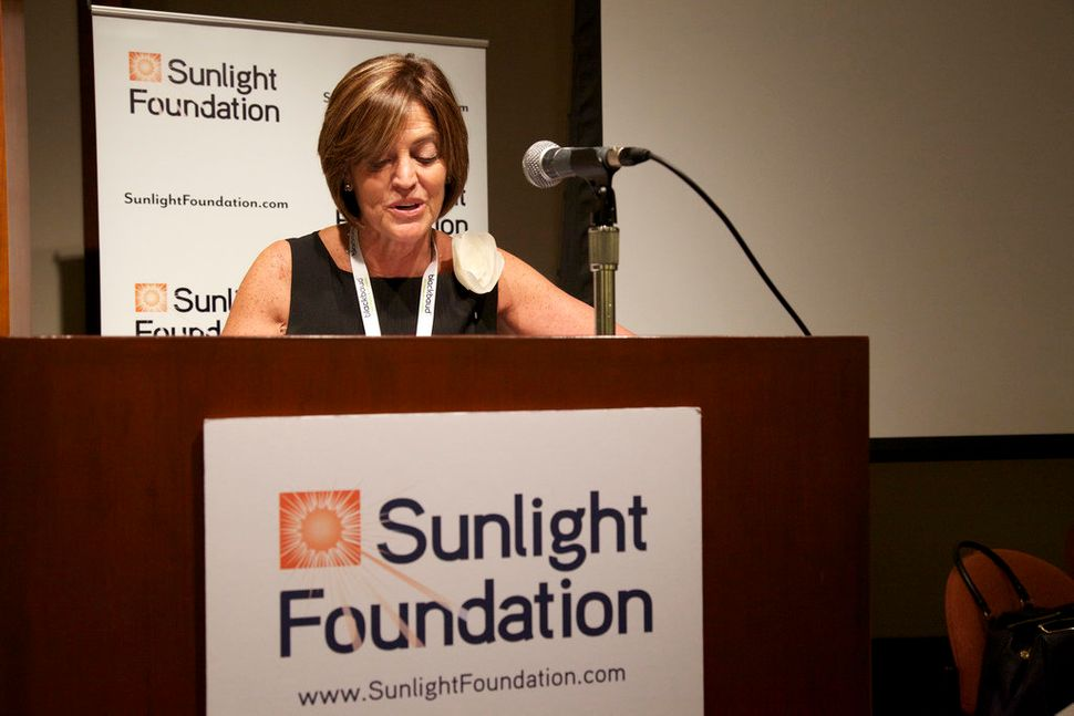 Ellen Miller, executive director of the Sunlight Foundation in 2008, said she doesn't remember Schacht making any accusa