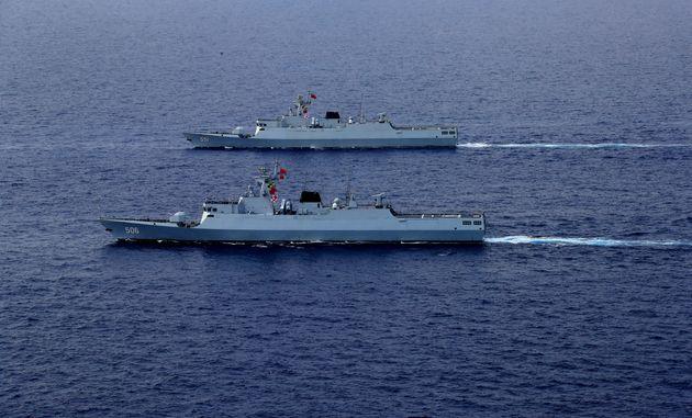 Η Ουάσινγκτον προειδοποιεί το Πεκίνο ότι θα υπάρξουν «συνέπειες» για τη «στρατιωτικοποίηση» στη Νότια...