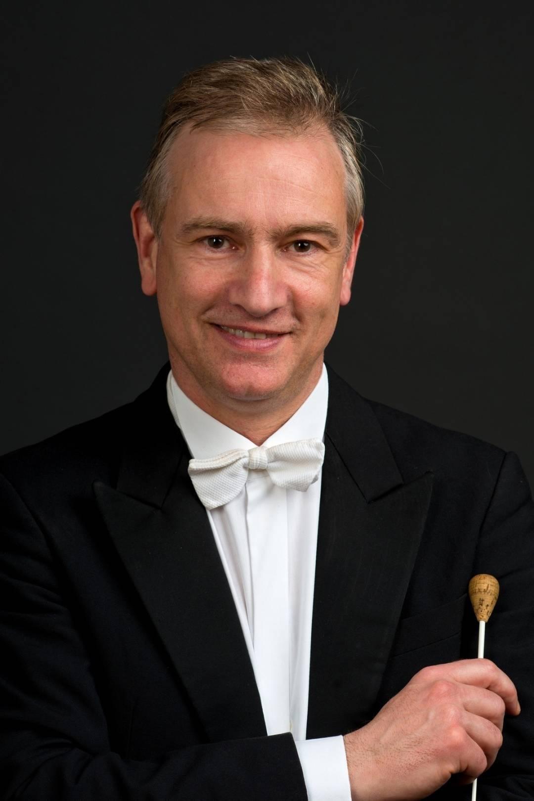 Στέφανος Τσιαλής: «Η Κρατική Ορχήστρα Αθηνών είναι από τις καλύτερες της