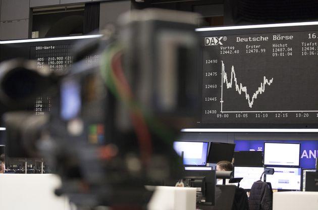 Le pétrole hésite encore entre production américaine et risque