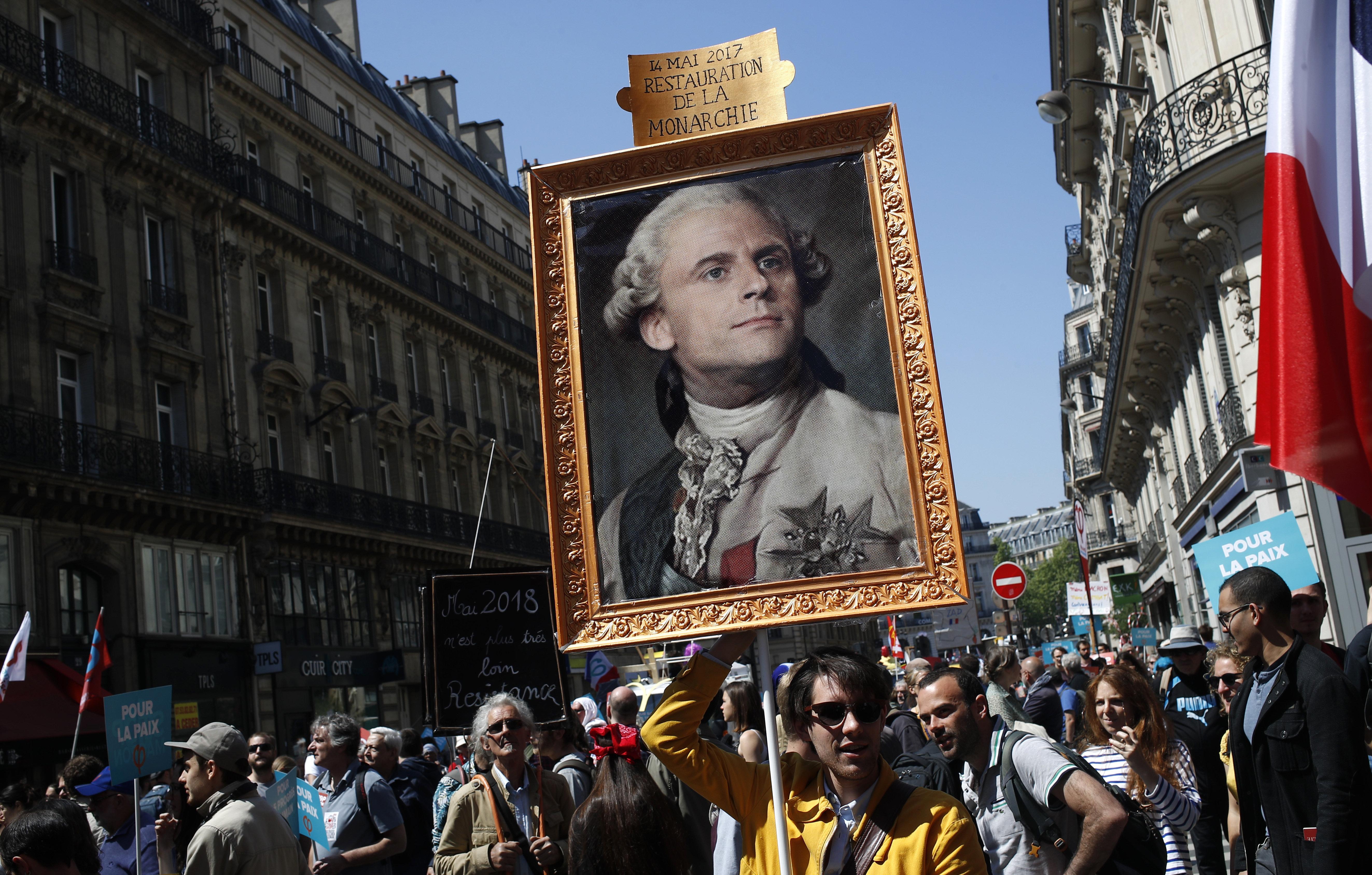 """""""Dracula"""", """"Monarch"""", """"Diktatur"""": Warum Zehntausende Franzosen gegen ihren Präsidenten auf die Straße gehen"""
