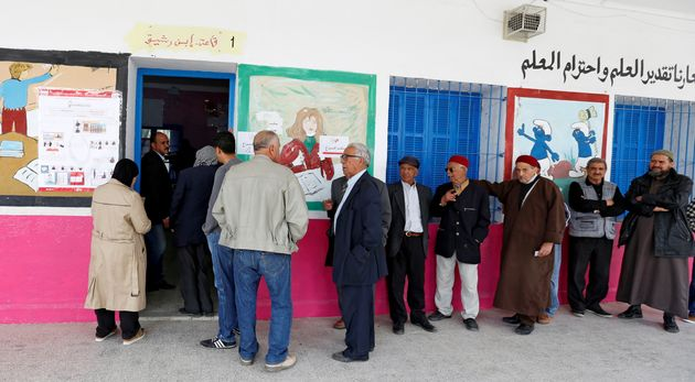 Les Tunisiens aux urnes pour les premières élections municipales libres depuis la
