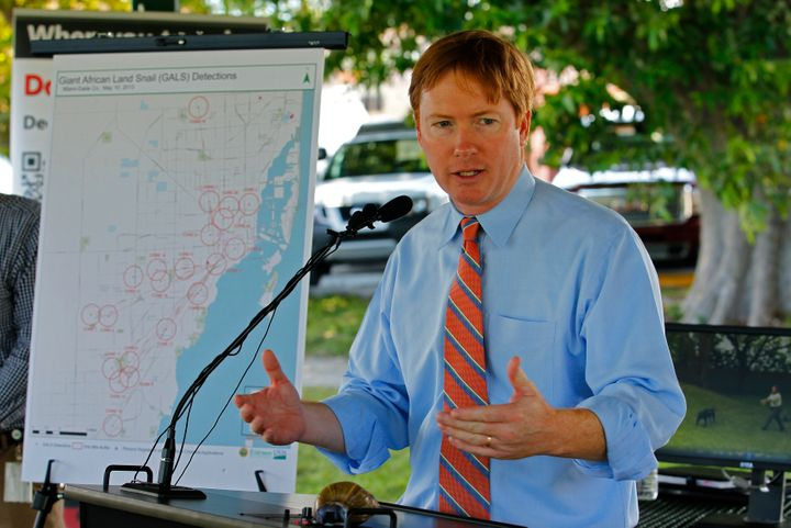 Florida Commissioner of Agriculture Adam Putnam (R) is relying on traditional campaign efforts in his bid for the governor's