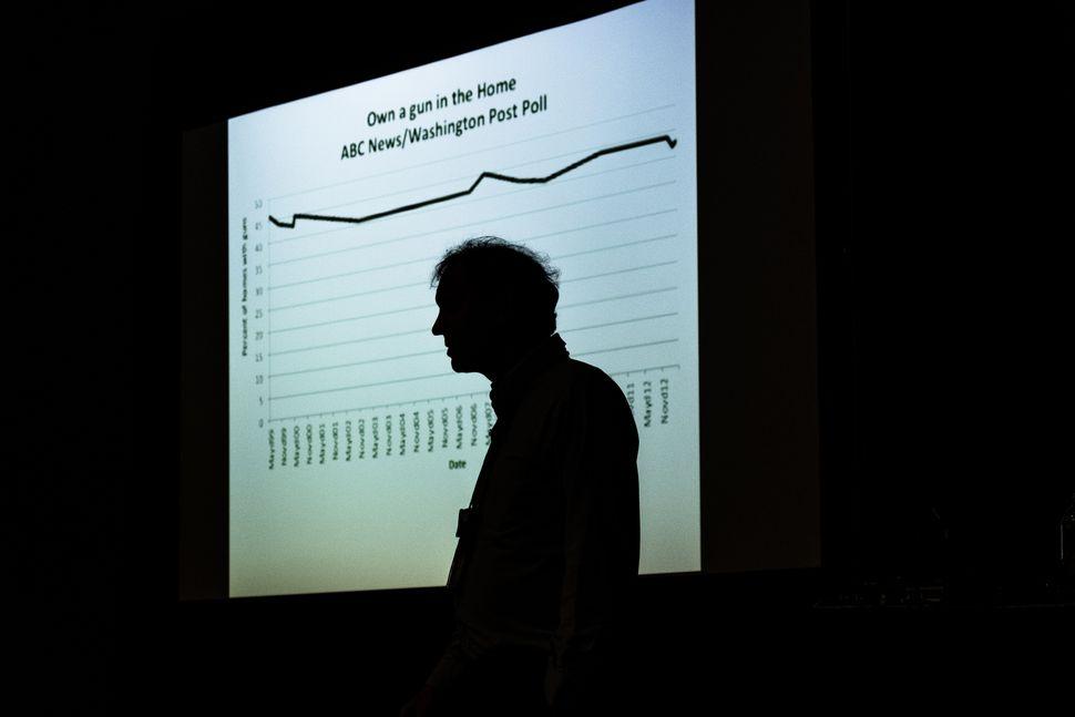 "Economist and author John Lott Jr. gives his""War on Guns"" seminar onSunday."
