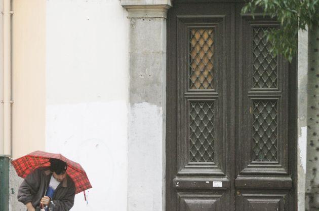 Πρόγνωση καιρού: Επιμένουν οι καταιγίδες και η