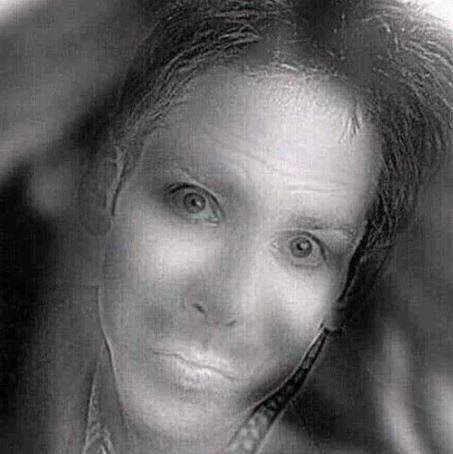 Μπορείτε να δείτε σε αυτή τη φωτογραφία το κορίτσι που χαμογελάει; Μια ακόμη οπτική ψευδαίσθηση που τρέλανε τους