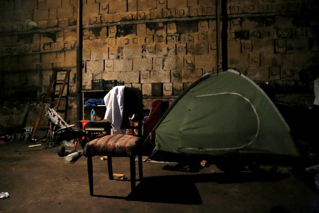 Θεσσαλονίκη: Νύχτα αιματηρών επεισοδίων στο κέντρο φιλοξενίας προσφύγων στα