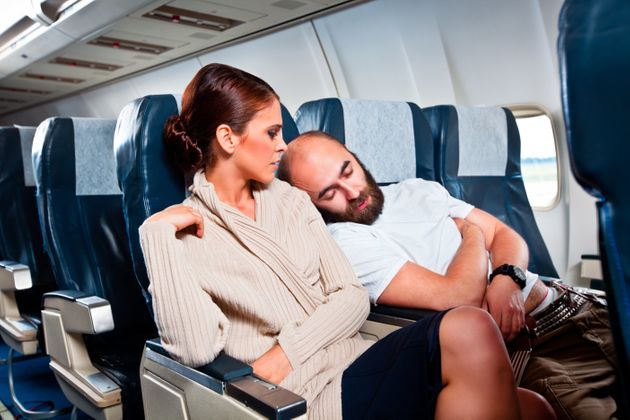 Οι 10 χειρότεροι τύποι επιβατών σε αεροπλάνα (και όχι μόνο) δίπλα στους οποίους αναγκαστήκαμε να