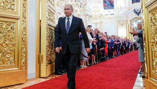O «τσάρος» Πούτιν ορκίστηκε ξανά Πρόεδρος της