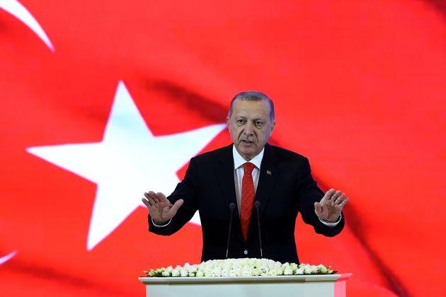 Η Τουρκία θα γίνει παγκόσμια δύναμη, λέει ο Ερντογάν παρουσιάζοντας το «μανιφέστο» του κόμματος του εν...