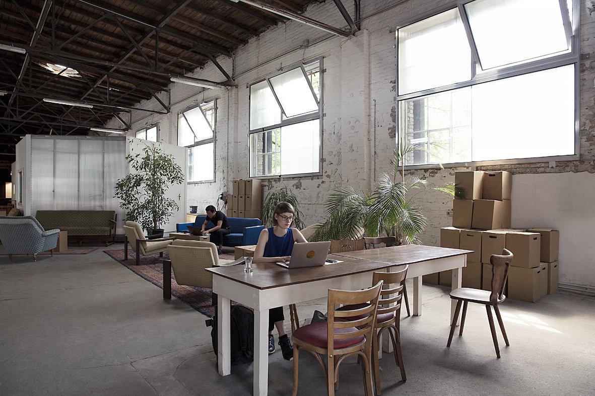 Mit ihrem Co-Working-Büro in Neukölln zeigt CRCLR, wie nachhaltiges Bauen aussehen